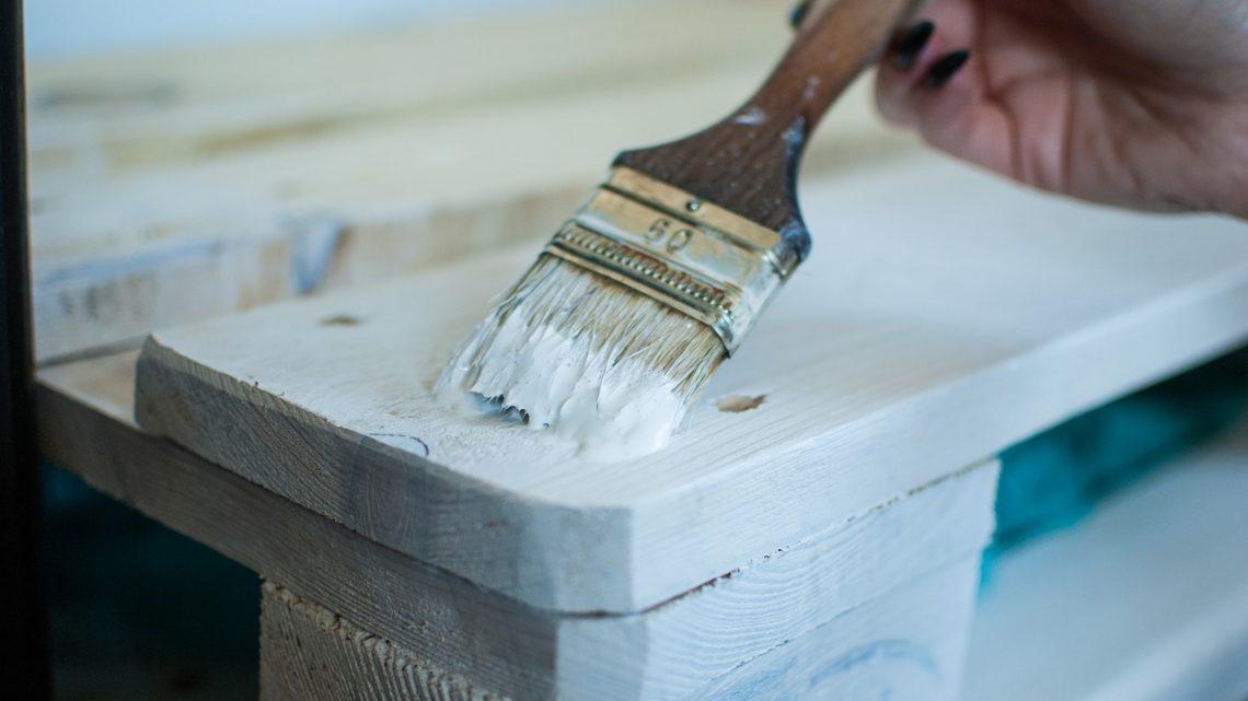 Como funciona o processo de pintura em laca