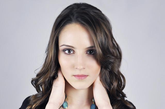 O que é flacidez facial e como tratar