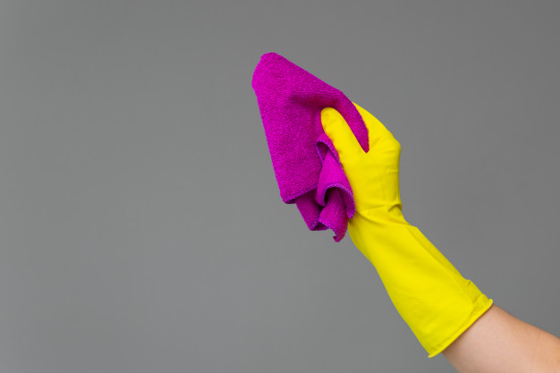Como limpar e desinfetar panos de microfibra (passo a passo)