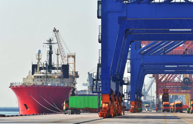 Quais são os benefícios de importar e exportar produtos?